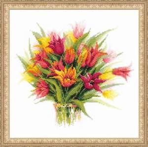"Набор для вышивания ""Тюльпаны в вазе"" 40х40см"