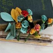 Набор мини-розочек и листьев бумажных PERLES серии WELCOME TO PARIS, размер 2 см, упаковка 24 шт