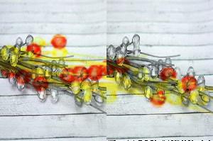 Веточка с бусинками красно-желтая 36см