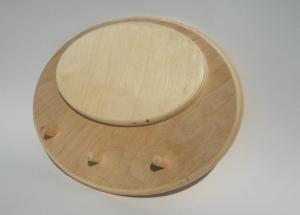 Вешалка овальная с тремя крючками 22х30см