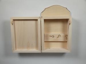 Ключница деревянная  26х16 см, глубина 8 см