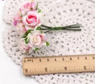 Цветы Розы из ткани d3см розово-белые 6шт
