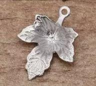 Металлическая подвеска Лист кленовый 12*15мм цв. серебро