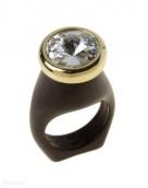 Силиата (Кольцо) Покрытие: ПозолотаВставка: Кристалл Swarovski Цвет вставки: Белый